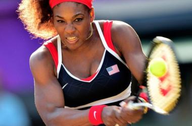 Le récital continue pour la numéro 1 mondial. Nouvelle victoire aisée sur Maria Sharapova, et 19ème titre du grand chelem conquis. Source : campdesrecrues.com