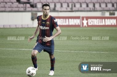 Sergio Busquets en un partido durante la presente temporada | Foto de Noelia Déniz, VAVEL