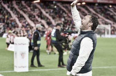 Sergio saluda a la afición (foto RealValladolid.es)