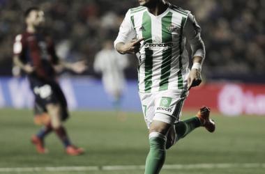 Sergio León celebrando su gol frente al Levante. Foto: Real Betis