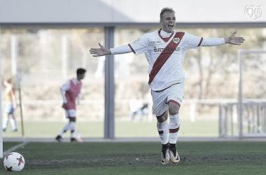 Sergio Benito celebrando un gol con el Rayo | Foto: Rayo Vallecano S.A.D.