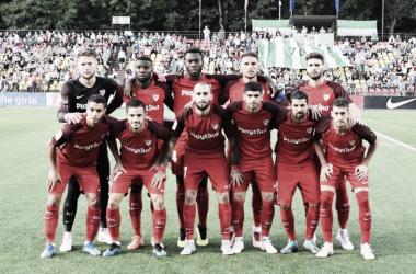 El once inicial del Sevilla ante el Zalgiris. Foto: Sevilla FC.