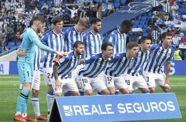 El once de la Real Sociedad ante el Sevilla, que contó con el apoyo de casi 24.000 aficionados. Foto: Diario Vasco.