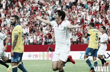 Sevilla sai atrás, mas vira no fim sobre Las Palmas na estreia de Nasri