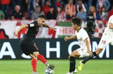 Correa y Óliver Torres disputan un balón | Atlético de Madrid