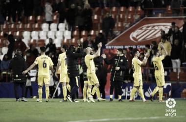 Los jugadores alfareros celebran tras el final del partido vs Lugo | LaLiga 1|2|3.