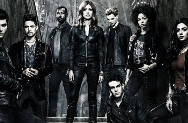 Foto promocional de la temporada 3B. Fuente: Shadowhunters Oficial