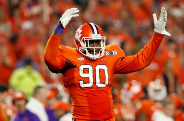 Shaq Lawson #90 of the Clemson Tigers reacts against the Alabama Crimson Tide during the 2016 College Football Playoff National Championship Game at University of Phoenix Stadium on January 11, 2016 in Glendale, Arizona. (Jan. 10, 2016 - Source: Christian