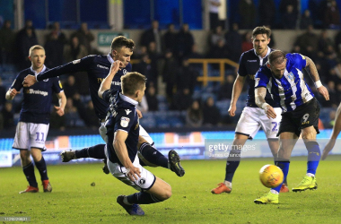 Steven Fletcher of Sheffield Wednesday shoots during the Sky Bet Championship match between Millwall and Sheffield Wednesday at The Den on February 12, 2019 in London, England. (Photo by James Chance/Getty Images)