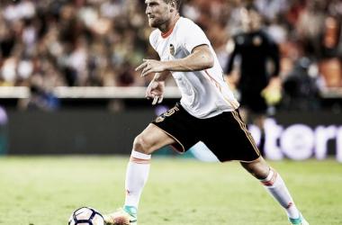 El Valencia CF declara intransferible a Mustafi