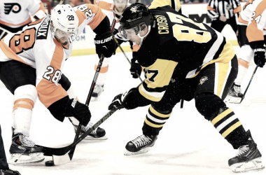 Sidney Crosby Claude Giroux Flyers-Penguins (Photo Courtesy of SI.com)