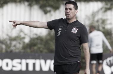 """Osmar Loss comemora vitória do Corinthians na na volta do Brasileirão: """"A gente precisa manter o espírito"""""""