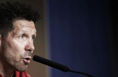 Diego Pablo Simeone frente a los micrófonos   Atlético de Madrid