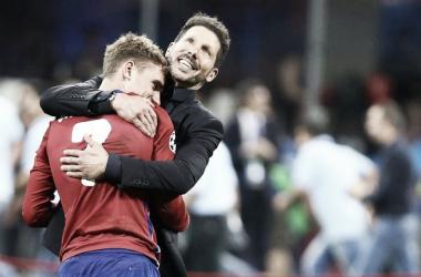 Abrazo entre Griezmann y Simeone | EFE