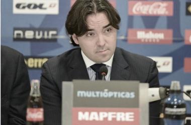 Martín Presa durante una rueda de prensa | Fotografía: Rayo Vallecano