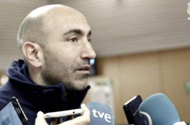 El entrenador del Alavés, Abelardo, se mostraba satisfecho en la rueda de prensa. Fuente: deportivoalaves.com