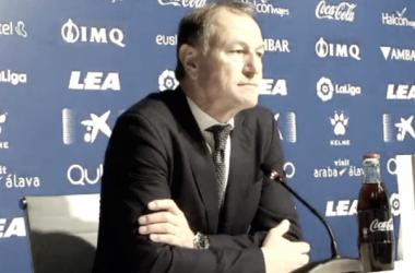 """Gianni de Biasi, tras la derrota: """"Todos tenemos que estar comprometidos"""""""