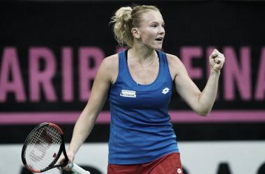 Siniakova venceu Riske em sets diretos (Foto: Divulgação/WTA)