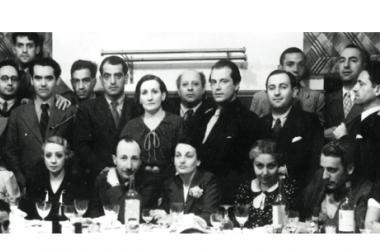 Reunión de hombres y mujeres pertenecientes a la generación del 27