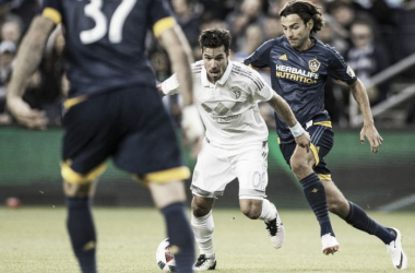 Sporting Kansas City's Benny Feilhaber running with the ball against the Los Angeles Galaxy on Sunday at Children's Mercy Park | Brad Davidson - Special to The Kansas City Star