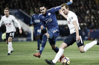 Harry Kane y Vicente Iborra. | Foto: Tottenham Hotspur.