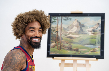 J.R Smith has some fun on media day. Photo:Jason Miller/NBAE/Getty Images