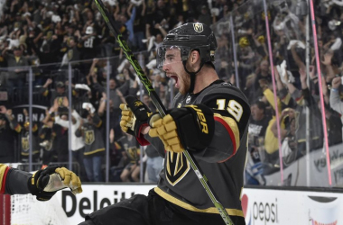Reilly Smith scores the go ahead goal for Vegas late in the third period. (Photo:Associated Press)