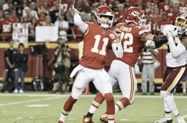 Smith and the Chiefs are still undefeated. | Photo: USA Today Sports