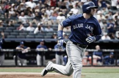 Justin Smoak's Grand Slam Leads Blue Jays Past Yankees