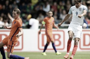 Solanke scores England's equaliser | Photo: UEFA