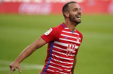 Soldado celebra un gol con el Granada CF | Foto:LaLiga