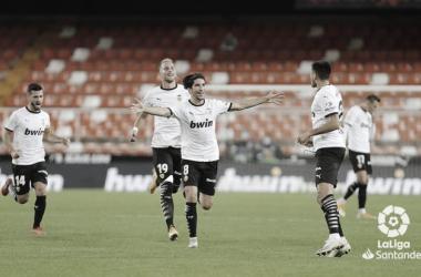 Soler guía al Valencia desde los once metros