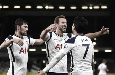 El Tottenham ganó al Burnley y se acerca a los líderes