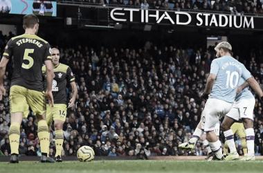 Pior mandante da Premier League, Southampton recebe inspirado Manchester City