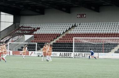 Allana Marshall's free-kick puts Spartans 1-0 up against Glasgow City. Photo: Twitter @spartansfcwomen