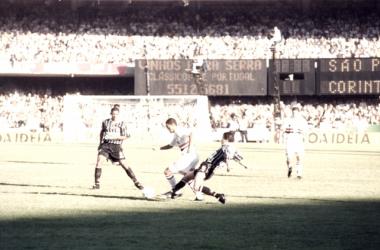 Duelo entre São Paulo e Corinthians na final do Paulista de 1998 (Fonte: Divulgação/São Paulo FC)