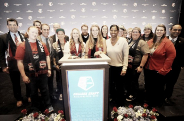 The members of the Washington Spirit draft team and new players pose after seven selections by the Spirit in the 2018 NWSL College Draft. | @WashSpirit