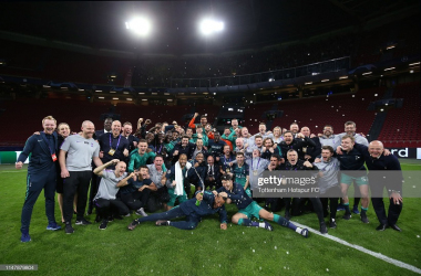 Tottenham Hotspur players and staff celebrate during the UEFA Champions League Semi Final second leg match between Ajax and Tottenham Hotspur at the Johan Cruyff Arena on May 08, 2019. (Photo by Tottenham Hotspur FC via Getty Images)