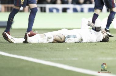 Sergio Ramos a terra nel Clasico. Fonte: LaLiga.es
