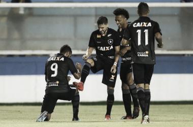 Desencantou: Botafogo bate o Macaé e assume vice-liderança do Grupo C na Taça Guanabara