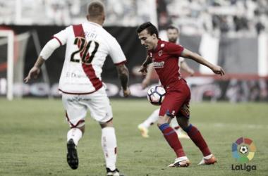 Pablo Valcarce sirvió en bandeja el segundo gol a Marc Mateu. Imagen: La Liga