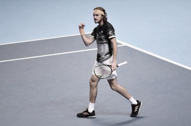 Tsitsipas: victoria ante Federer y finalista en su debut