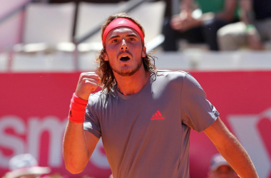 Stefanos Tsitsipas celebrating during his quarterfinal match in Estoril. (Photo by Millennium Estoril Open)