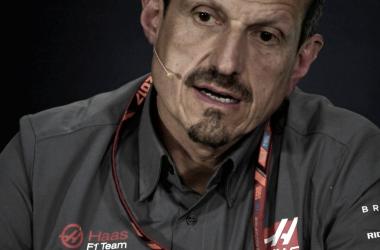 """Guenther Steiner: """"Traemos mejoras pero es pronto para evaluarlas"""""""