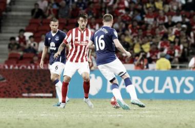 Howard detiene al Stoke City en Singapur