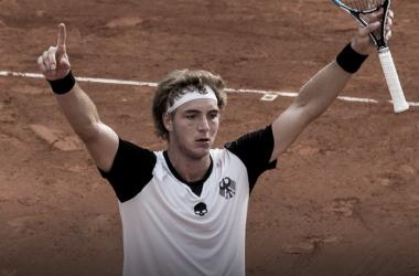 Jan-Lennard Struff celebrates clinching the tie for Germany. Photo: Davis Cup