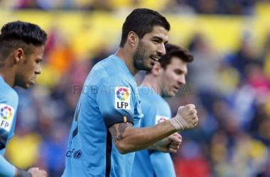 Suárez redime al peor Barça