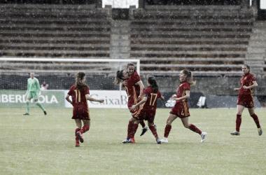 Las jugadoras españolas celebran uno de los goles del partido/ Foto: @SeFutbolFem