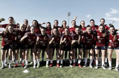 Las chicas de la sub-19 femenina, ilusionadas / Foto: @SelFutbolFem
