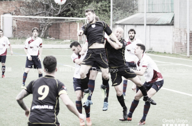 Fotos e imágenes del Gijón Industrial 1-2 Atlético de Lugones